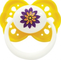 """Пустышка Lubby """"Малыши и Малышки"""" 0+, желтый (цветок)"""